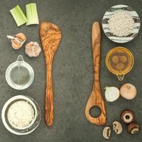 ingredienti con utensili foto