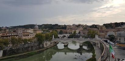 fiume tevere a roma, italia foto