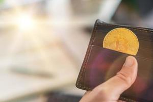 simbolo di moneta bitcoin di denaro digitale criptovaluta foto