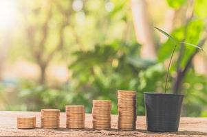 monete impilate, concetto di crescita finanziaria foto