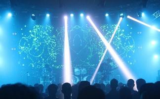 jakarta- banda da concerto sul palco foto