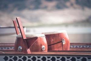 tamburo della barca del drago utilizzato per il ritmo dei canoisti foto