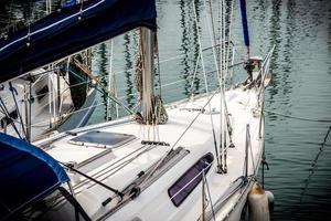 ponte anteriore dello yacht foto