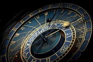 orologio astronomico di praga foto