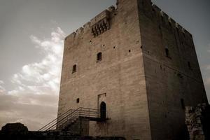 distretto di limassol, cipro 2016 - il castello medievale di kolossi foto