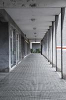 architettura della colonna nella città di bilbao, spagna foto