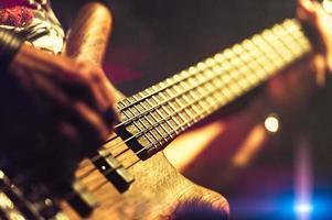 bassista pop rock foto