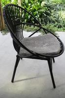 sedia da esterno nera foto