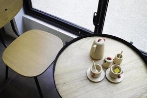 servizio da tè in legno foto