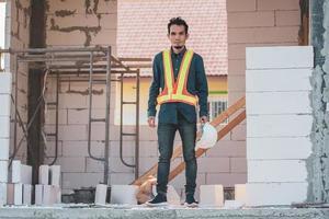 ingegnere architettonico si trova sulla costruzione del sito foto