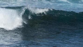 onde atlantiche nelle isole canarie foto