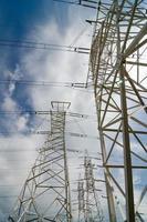 linea elettrica ad alta tensione foto