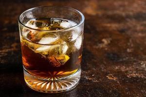 bicchiere di whisky foto