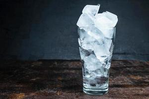 bicchiere di ghiaccio foto