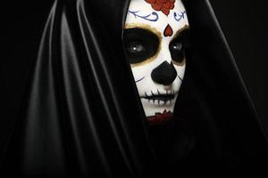 headshot del primo piano del cranio dello zucchero foto