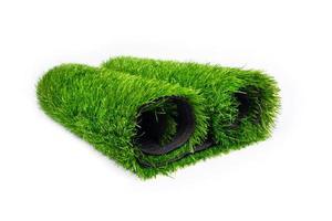 rotolo di erba artificiale verde foto
