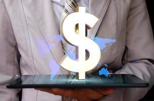 affari o finanza risparmio di denaro e concetto di crescita del business foto