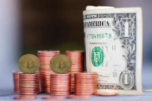 moneta di criptovaluta bitcoin e concetto di denaro aziendale foto