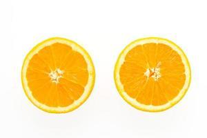 frutta arancione isolata su fondo bianco foto
