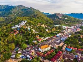 vista aerea dell'isola di koh samui, thailandia foto