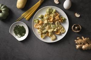 vista dall'alto del delizioso concetto di cibo con copia spazio foto