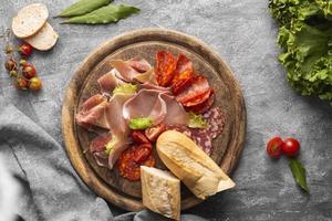 piatto laici concetto di carne fresca foto