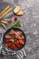 concetto di carne piatta laici con spazio di copia foto