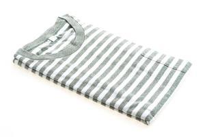 maglietta isolata su bianco foto