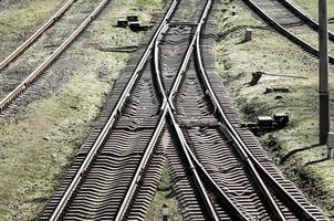 vecchia ferrovia vuota foto