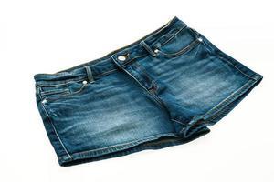 pantaloni di jeans corti di moda per le donne foto