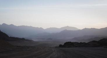 paesaggio del deserto di montagna foto