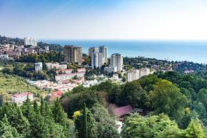 vista aerea del paesaggio urbano a sochi, russia foto