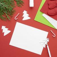 artigianato natalizio, modello di carta bianca foto
