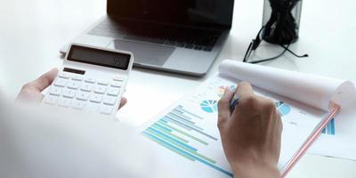 primo piano di un professionista finanziario foto