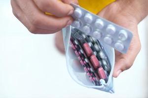 vista dall'alto di pillole in un sacchetto foto