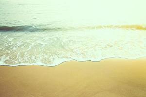 onda in spiaggia foto
