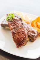 barbecue costolette di carne bistecca foto