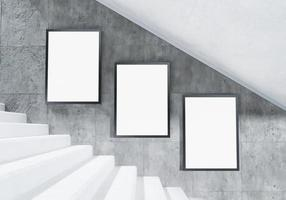 mockup di cartelloni pubblicitari sulle scale nella stazione della metropolitana foto