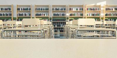 aula scolastica con tavolo dell'insegnante vuoto foto