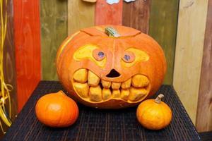 lanterna della presa della testa della zucca di Halloween foto