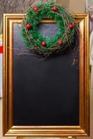 decorazioni natalizie e lavagna vintage