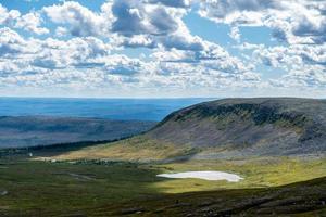 vista del paesaggio degli altopiani settentrionali svedesi foto
