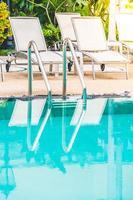 piscina all'aperto nel resort dell'hotel foto