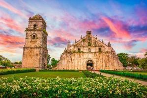 chiesa barocca di paoay, vigan, ilocos sur foto