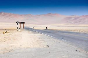 Paesaggi deserti a Paracas Perù, Sud America foto