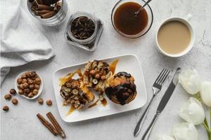 brunch mattutino con caffè foto
