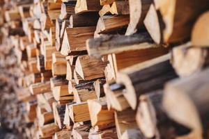 sfondo di legna da ardere accatastati foto