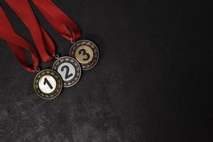 medaglie di primo, secondo e terzo posto foto