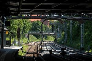 binari ferroviari vuoti foto