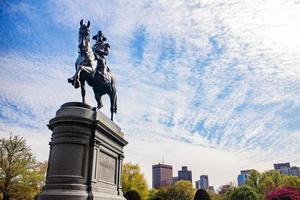 George Washington statua nel parco pubblico di Boston in estate. Boston, Massachusetts, Stati Uniti. foto